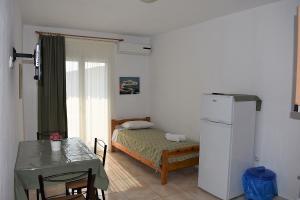 room 8 1